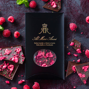 Dark chocolate with freeze-dried raspberries and refreshing mint