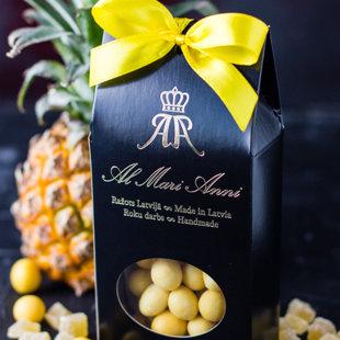 Ananāsa gabaliņi baltajā šokolādē