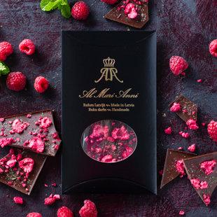 Темный шоколад с малиной холодной сушки и освежающей мятой