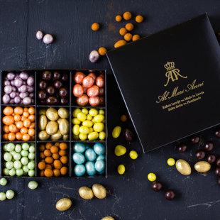 Sparkling chocolate dragee assorti